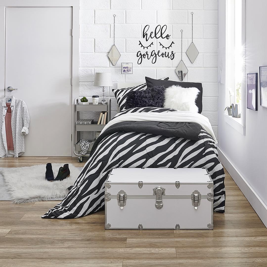 Как украсить комнату в общежитии фото_7