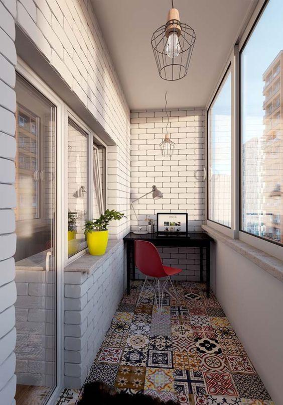 как сделать маленький балкон однушки рабочим местом фото_6